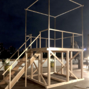 ミライザ大阪城に太鼓のやぐらを設置